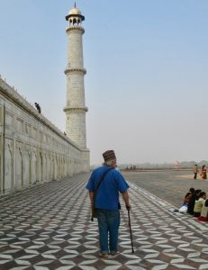 James Bertrand walking, TajMahal – Version 2